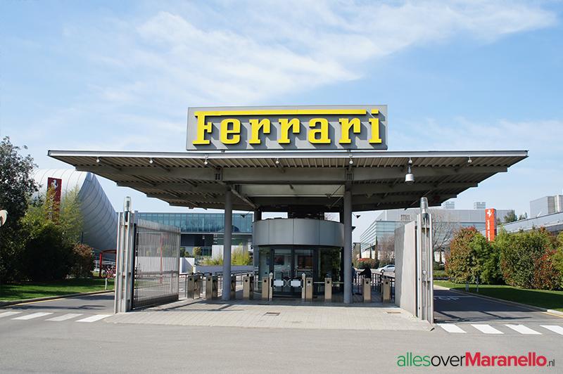 Hoofdingang van de Ferrari fabriek in Maranello