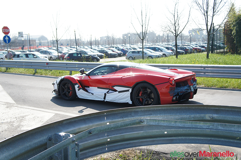 Laferrari gespot in Maranello